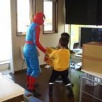 子供たちとスパイダーマン